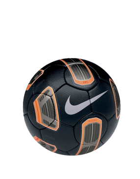 Football-boots-nike-tracer